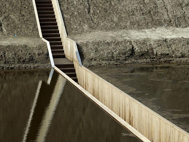 Підводний міст у Нідерландах