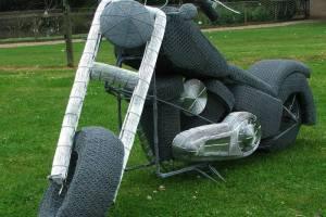 Вражаючі скульптури з дроту