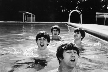 Бітлз під час американських гастролів у Флориді. Вода у басейні була дуже холодна. John Loengard, 1964