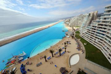 Найбільший басейн у світі