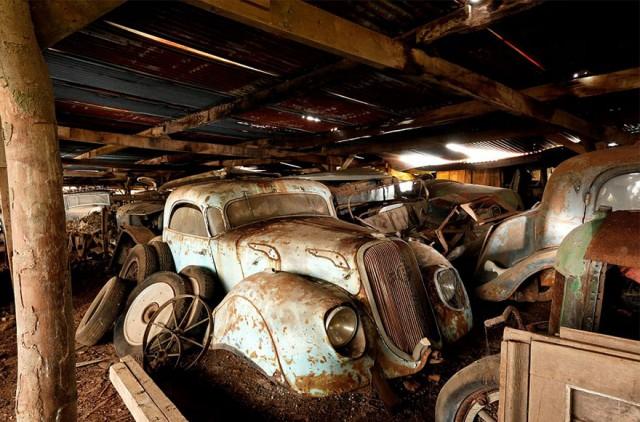 treasure-vintage-old-classic-cars-retromobile-france-roger-baillon-131