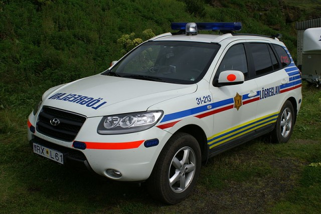 800px-Police_car_of_Iceland_01
