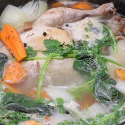 How to Make Easy Homemade Chicken Stock