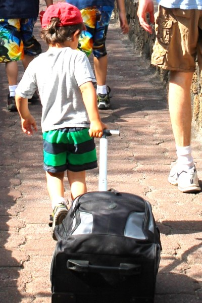 My Best Traveling With Kids Tips {From an Expat Mom}
