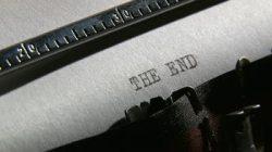 The End Pic typewriter