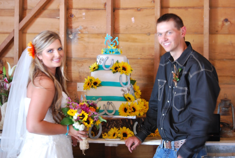 How many wedding cakes are covered in horseshoes?