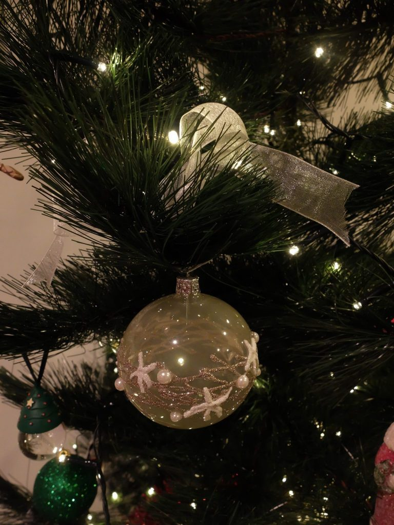 Splurgy David Jones tree ornament - It was oceanic and fitted my colour theme - what was I to do?