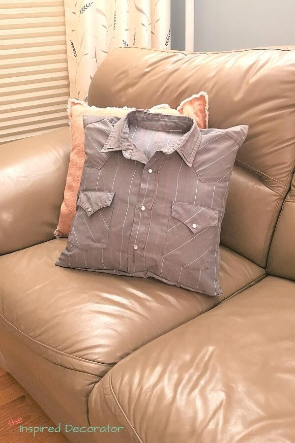 make a memory pillow from a shirt the