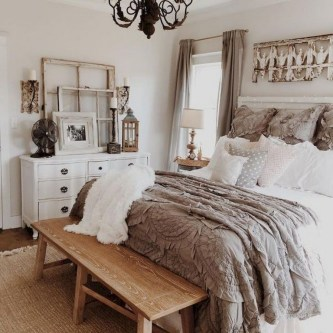 48+ beautiful Farmhouse Style Master Bedroom Ideas 14