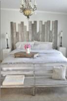 48+ beautiful Farmhouse Style Master Bedroom Ideas 45