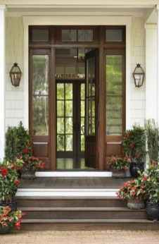 25+ Awesome Farmhouse Exterior Front Door Ideas (13)