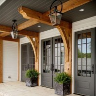 25+ Awesome Farmhouse Exterior Front Door Ideas (21)