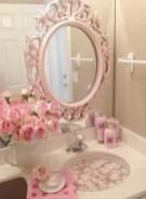 25+ Beautiful Shabby Chic Romantic Bathroom Ideas (19)