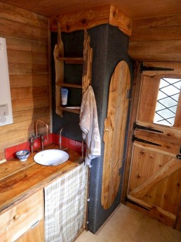 45+ Marvelous Rural Modern RV Tour Remodel Ideas (37)