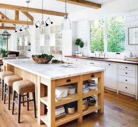 50+ Amazing Modern Farmhouse Kitchen Cabinets Decor Ideas 33