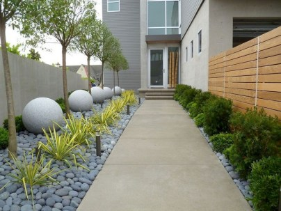 58+ Beautiful Low Maintenance Front Yard Landscaping Ideas (53)