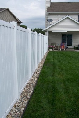 63+ Inspiring DIY Front Yard Privacy Fence Remodel Ideas (39)