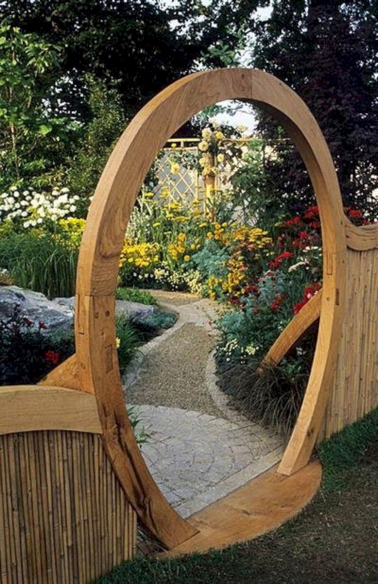 63+ Inspiring DIY Front Yard Privacy Fence Remodel Ideas ... on Front Yard Renovation Ideas id=73621