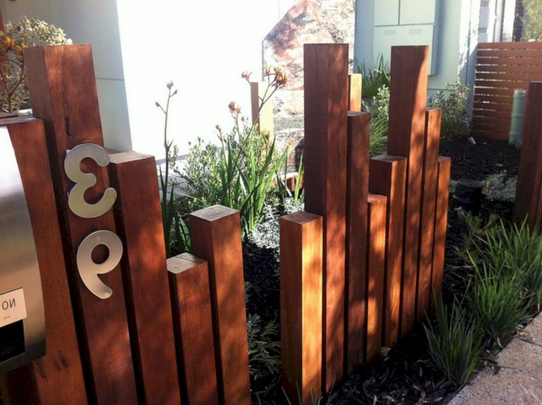 63+ Inspiring DIY Front Yard Privacy Fence Remodel Ideas ... on Front Yard Renovation Ideas id=87964