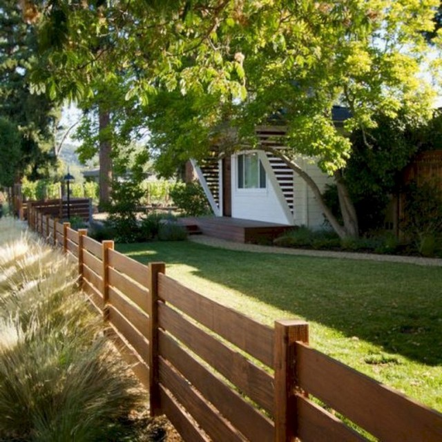 63+ Inspiring DIY Front Yard Privacy Fence Remodel Ideas ... on Front Yard Renovation Ideas id=40009