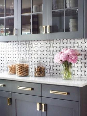 70+ Amazing Farmhouse Gray Kitchen Cabinet Design Ideas 25