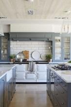 70+ Amazing Farmhouse Gray Kitchen Cabinet Design Ideas 27