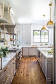 75+ Rustic Farmhouse Style Kitchen Makeover Ideas 24
