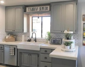 75+ Rustic Farmhouse Style Kitchen Makeover Ideas 30