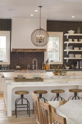 75+ Rustic Farmhouse Style Kitchen Makeover Ideas 44
