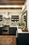 75+ Rustic Farmhouse Style Kitchen Makeover Ideas 77