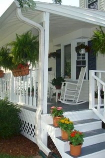 Astonishinh Farmhouse Front Porch Design Ideas 03