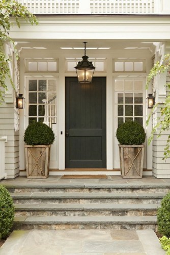 Astonishinh Farmhouse Front Porch Design Ideas 17
