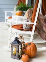 Astonishinh Farmhouse Front Porch Design Ideas 63