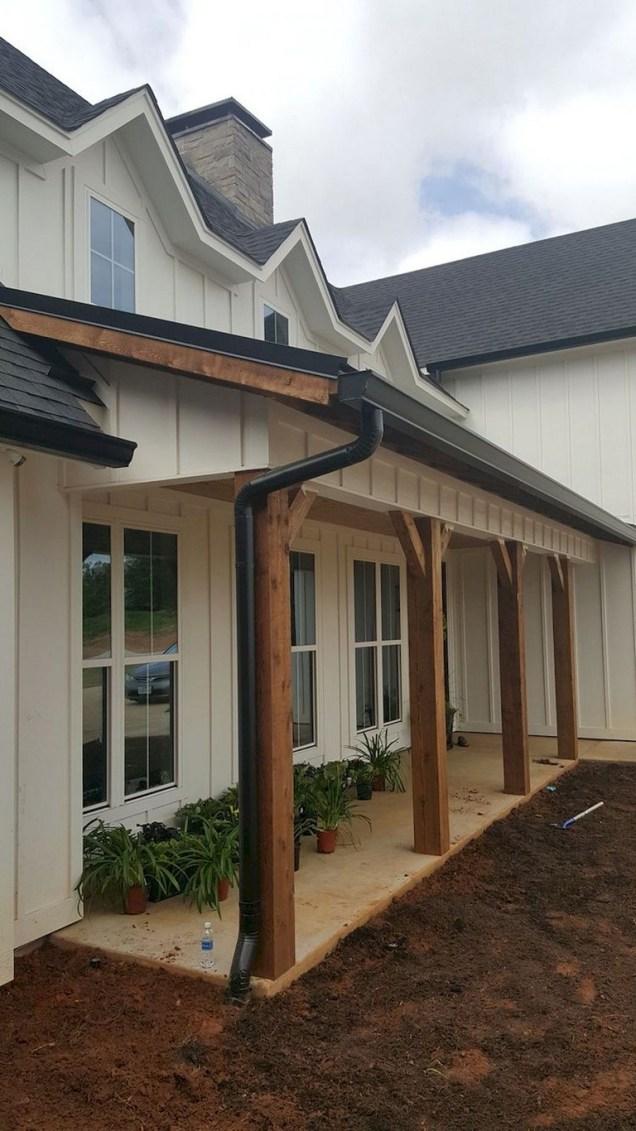 Astonishinh Farmhouse Front Porch Design Ideas 71