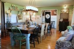 10+ Best Gorgeous Rustic Farmhouse Wall Color Scheme Ideas (9)