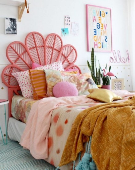 30+ Awesome Decorating Tips to Style Perfect Bedroom for Teen (10)