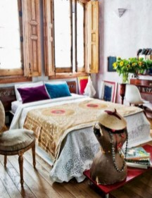 30+ Stunning Bohemian Bedroom Decor For Small Space (16)