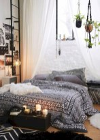 30+ Stunning Bohemian Bedroom Decor For Small Space (30)