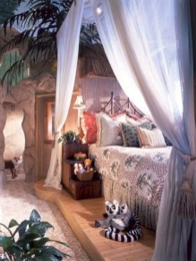 30+ Stunning Bohemian Bedroom Decor For Small Space (7)