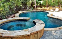 33+ Wonderful Small Backyard Ideas With Swimming Pool Design (20)