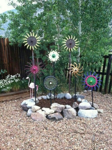 53+ Beautiful DIY Outdoor Garden Crafts Ideas to Make Your Garden More Beautiful (46)