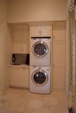 55+ Inspiring Simple and Awesome Laundry Room Ideas (24)