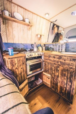 82+ Inspiring RV Camper Van Interior Design and Organization Ideas (23)