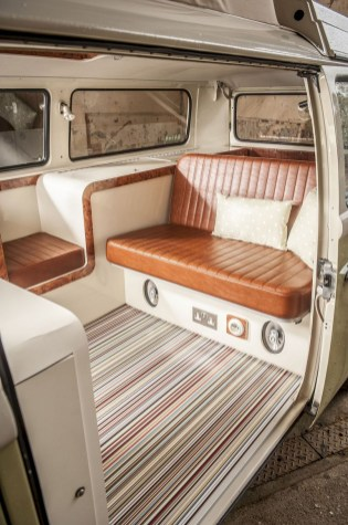 82+ Inspiring RV Camper Van Interior Design and Organization Ideas (6)