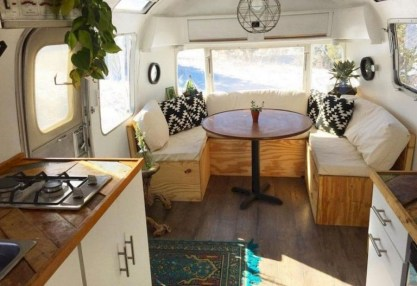 82+ Inspiring RV Camper Van Interior Design and Organization Ideas (83)