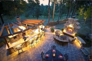 26+ Awesome DIY Fire Pit Plans Ideas With Lighting in Frontyard (25)