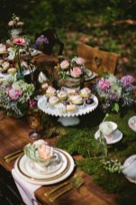 30+ Awesome Party Table Decorations Ideas For Your Special Moment (17)