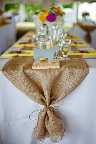 30+ Awesome Party Table Decorations Ideas For Your Special Moment (26)