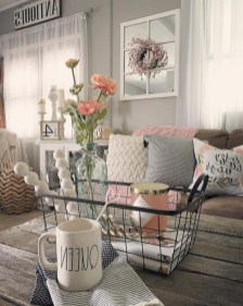30+ Creative Tips For A Perfect Coffee Table Styling To Living Room (13)