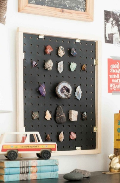 40+ Brilliant Ways To Organize Your Home With Pegboards (20)